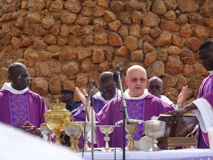 THIÈS célèbre son Jumelage avec le Diocèse-frère de Saint-Claude en France…