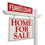 Selling in Competition with Foreclosures
