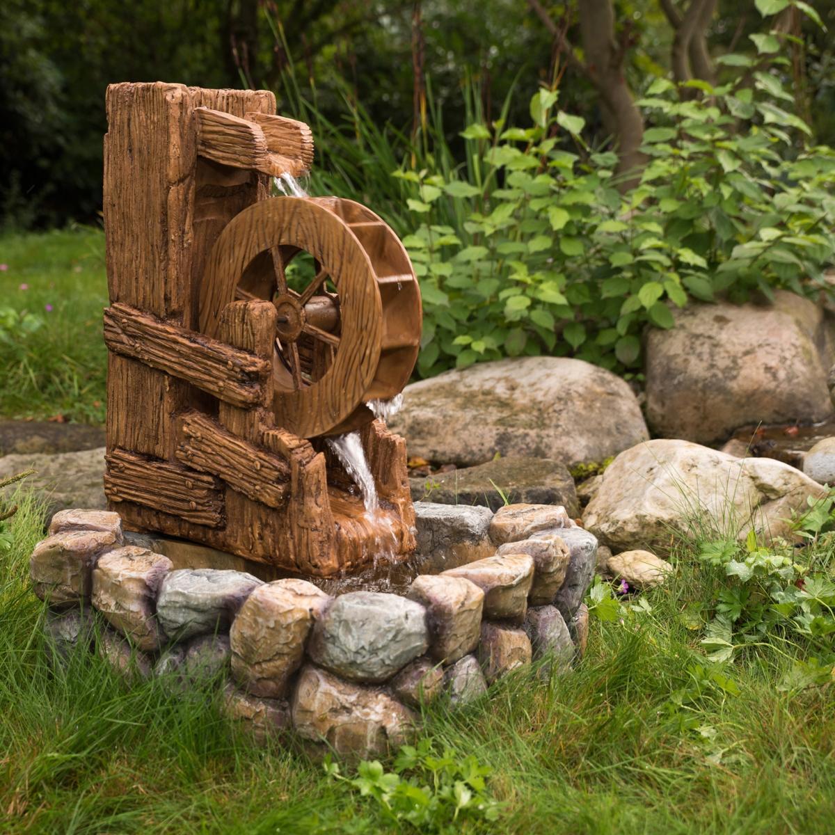 fontaine de jardin avec roue a aubes
