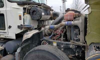 2008 Mack Granite with dual mud mixers
