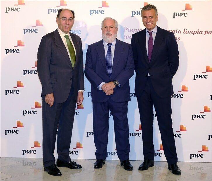 Ignacio Galán, M. A. Cañete y G. Sánchez, en el encuentro de PwC