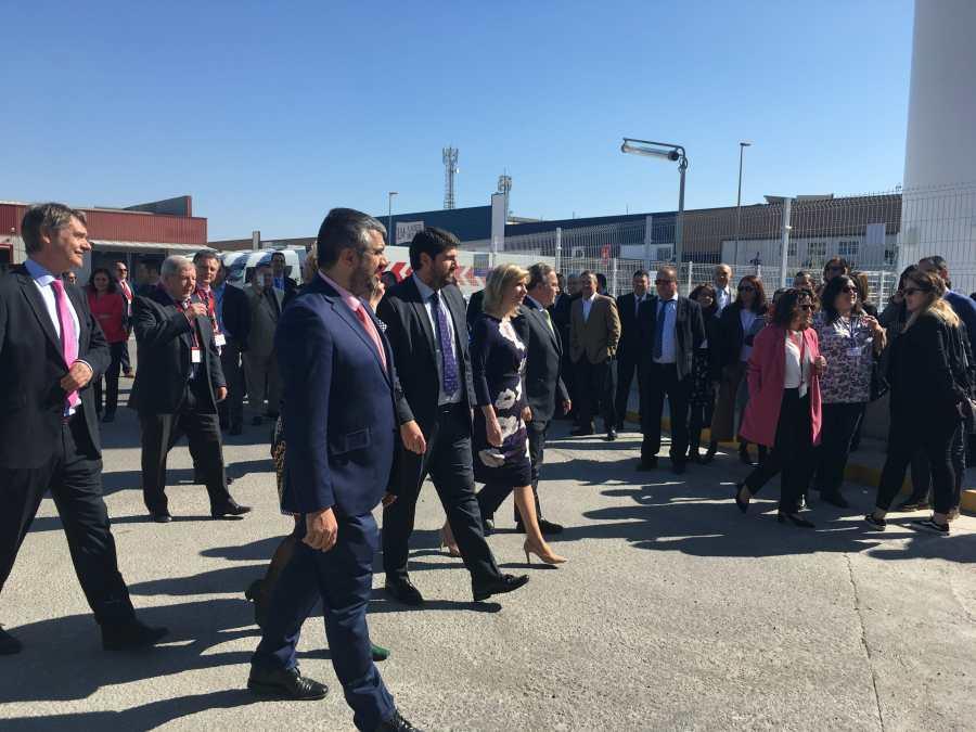 Acto de inauguración de la gasinera de Endesa en Murcia.