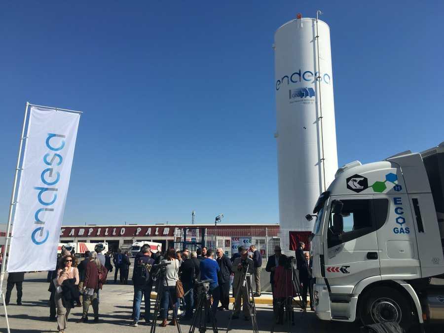 Presentación de la gasinera de Endesa en Murcia.
