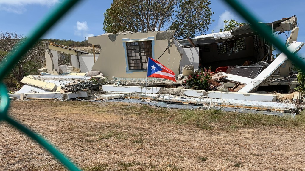 A house in La Luna destroyed by earthquakes. (Ana Umpierre/Direct Relief)