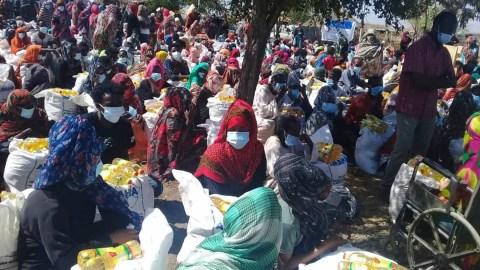 The Eri Yiakl Foundation distributes supplies to refugees in eastern Sudan. (Photo courtesy of Eri Yiakl Foundation)