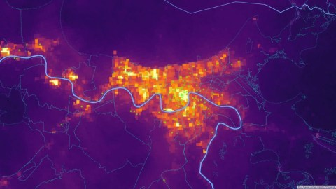Baseline luminosity in and near New Orleans on August 25, 2021 with all FQHC sites as circle points. (NASA Image/ Direct Relief analysis)
