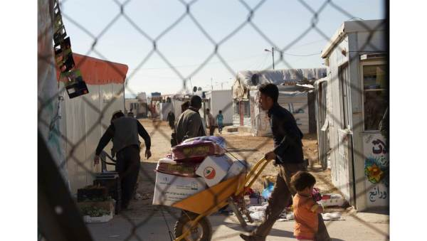 Looking in refugee camp