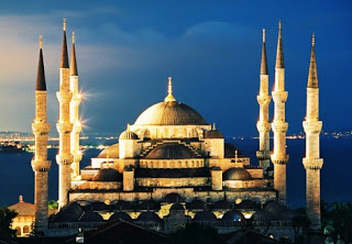 Why do tourists zero in on Istanbul in Turkey