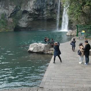 Cheonjiyeon waterfall and resultant photographers.