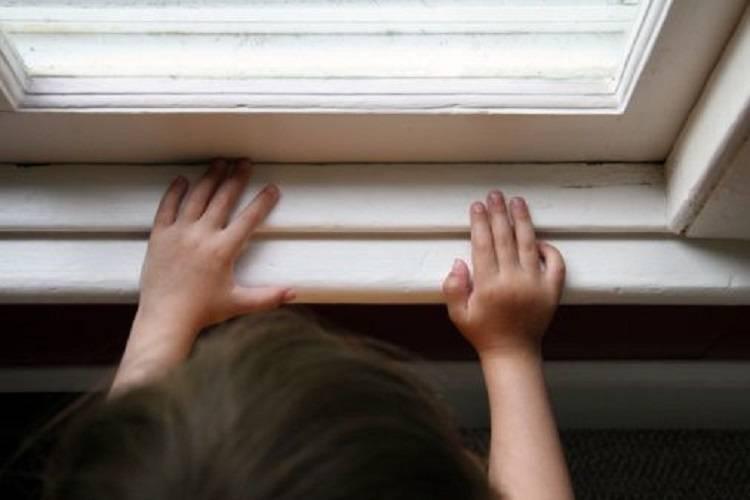 Arzignano, bimbo di 8 anni cade dalla finestra: grave in ospedale