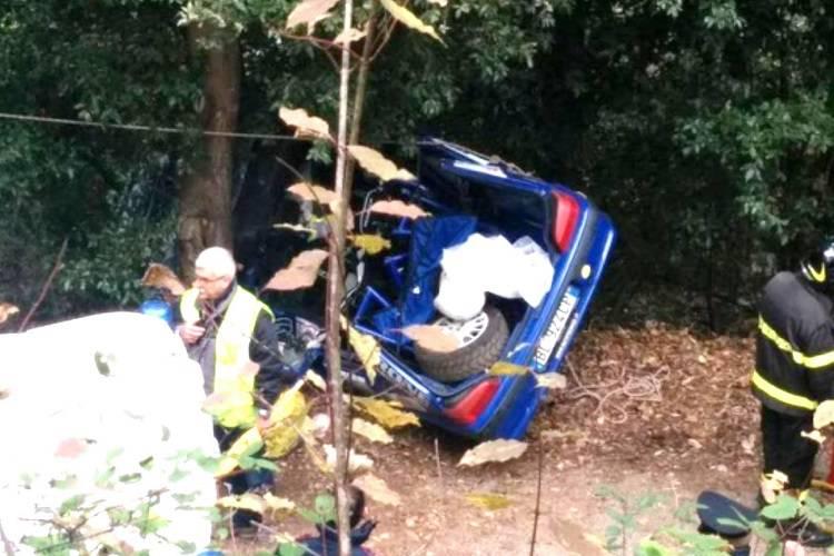Torino, rally tragico: auto fuori strada, muore un bambino