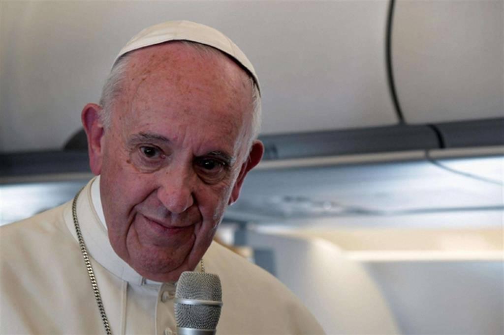 Celentano a Papa Francesco: incontra in segreto veggenti Medjugorje