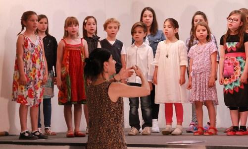 un coro in ogni classe
