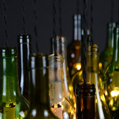 dnd-wine-bottle-chandelier-04