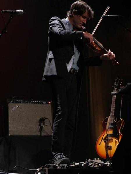 Andrew Bird Un Hombre Orquesta Se Ha Colado En El Nuevo Apolo Dirty Rock Magazine