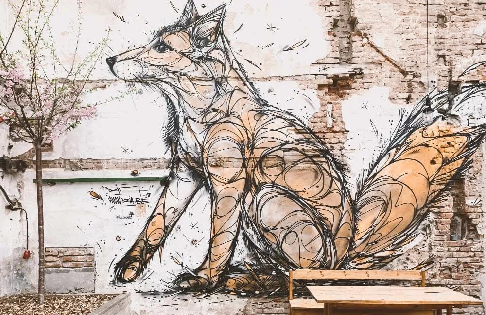 Street art a Praga - La volpe di Dzia a Vnitroblock, Holesovice