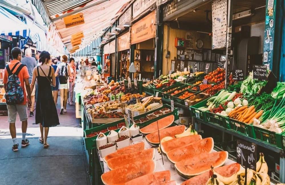 Una foto del Naschmarkt a Vienna