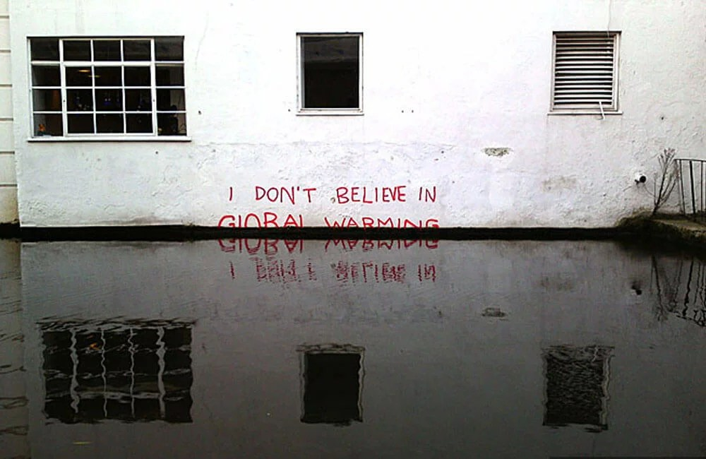 Robbo-vs-Banksy-01-Global-Warming
