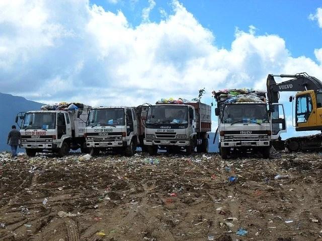 Smaltimento materiale a discarica pubblica autorizzata