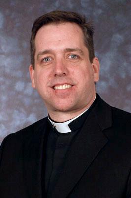 Fr.-Scott-Traynor-1