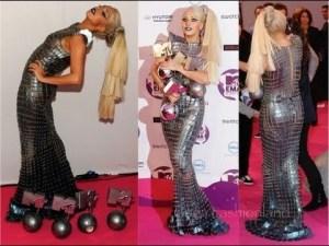 Gaga-Snake-Dress.jpg