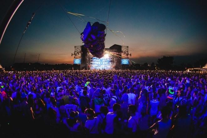 random mail 2 RANDOM, la festa più coinvolgente del momento sbarca al Lignano Sunset Festival, il 5 agosto allo Stadio Teghil