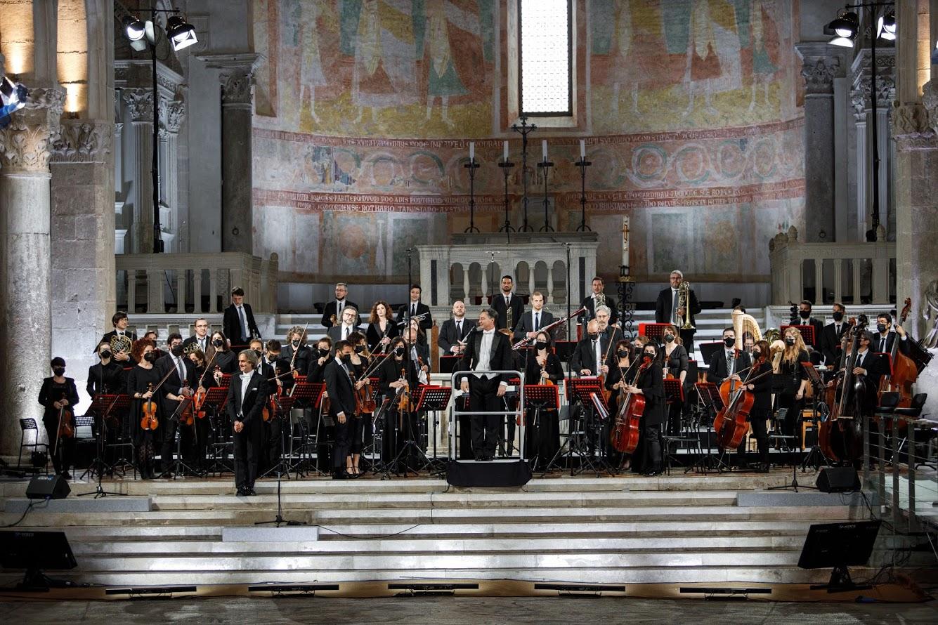 evento friuli fvg orchestra NEK, ALICE CANTA BATTIATO, PFM, BRANDUARDI, gli omaggi a Morricone, Battisti e Beatles nel calendario del Castello di Udine