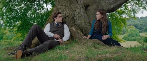 sherlock consola enola in una scena del film enola holmes di netflix