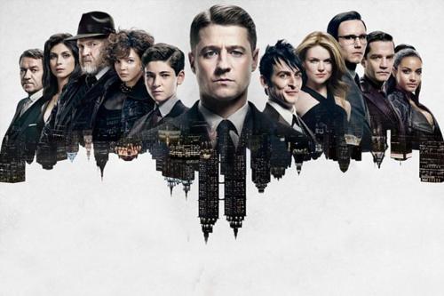 Il cast della serie, al centro della nostra analisi sulle differenze tra Gotham e i fumetti di Batman