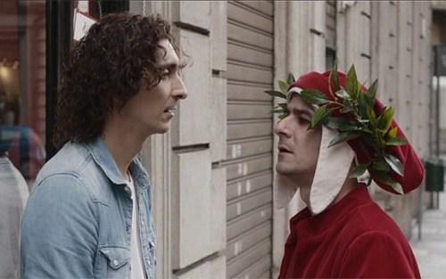 Virgilio (Fabrizio Biggio) e Dante (Francesco Mandelli) in una scena di La solita commedia - Inferno