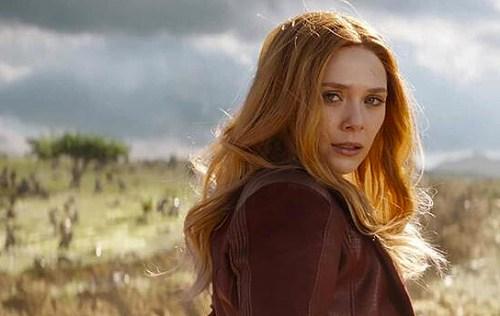 Elizabeth Olsen nei panni di Wanda Maximoff