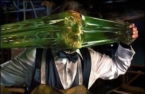Una scena di Flubber: Robin Williams prova sulla sua faccia l'elasticità del Flubber. Un grande esempio di morphing nel cinema anni 90