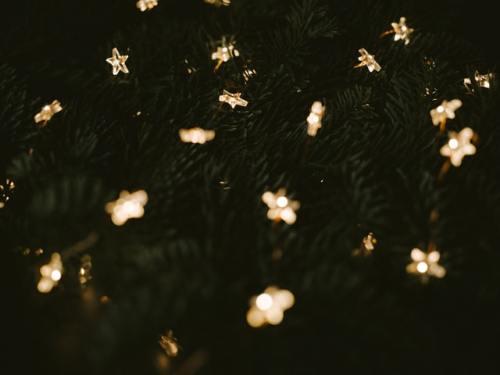 Una cometa è stata visibile durante il periodo natalizio più volte negli anni. Ad esempio nel 2011, 2013 e 2014