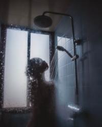 La durata e la tipologia di doccia o bagno che facciamo può cambiare notevolmente la quantità di CO2e che immettiamo nell'atmosfera ogni anno