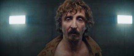 Il protagonista da Il buco, film spagnolo di Netflix