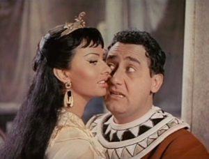 Non solo Un Americano a Roma: Alberto Sordi in Due notti con Cleopatra