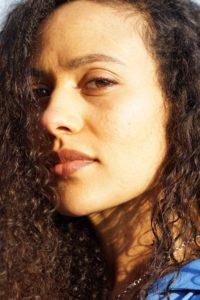 Un ritratto della scrittrice Marilena Delli Umuhoza