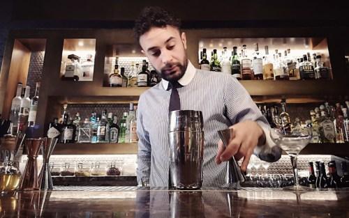 Vincenzo Tropea, barman del Ristorante Pierluigi di Roma, ideatore di questo cocktail di Halloween