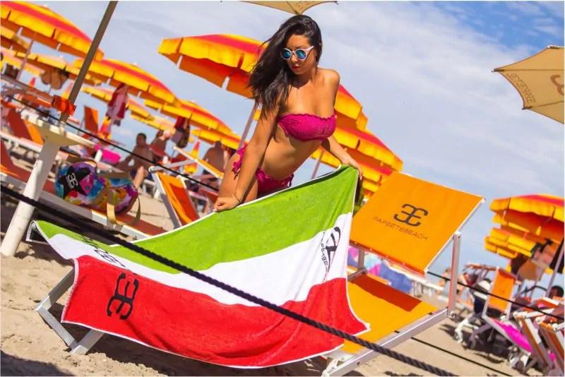 Papeete Beach Milano Marittima Prezzi Spiaggia Lettino Prive Tavoli ...