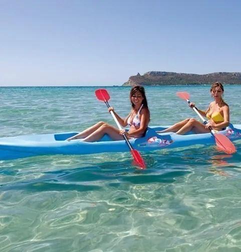 divertimento in mare a cordù canoa