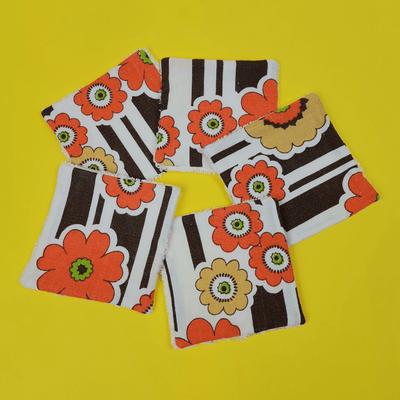 lingettes seventies grosses fleurs orange