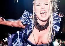 Tanja Monies prima nella classifica dei migliori vocalist nelle discoteche d'Italia