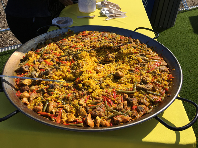 Paella made with pork, chicken and rabbit by El Coraloense