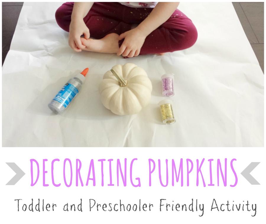 decorating_pumpkins_Discovering_Parenthood4
