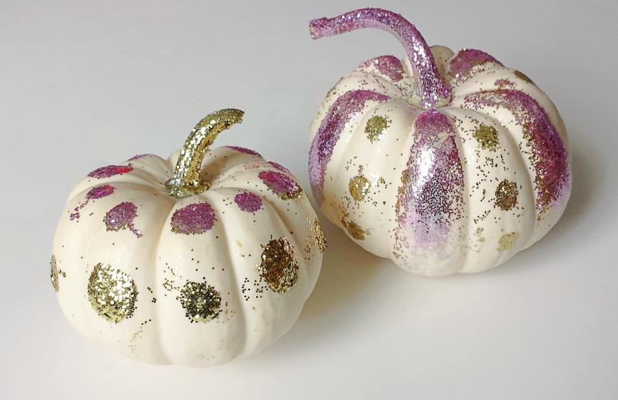 decorating_pumpkins_Discovering_Parenthood5