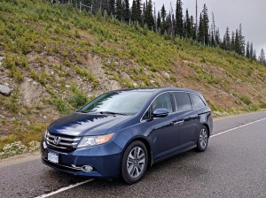 A Minivan Family for a Week {Review}