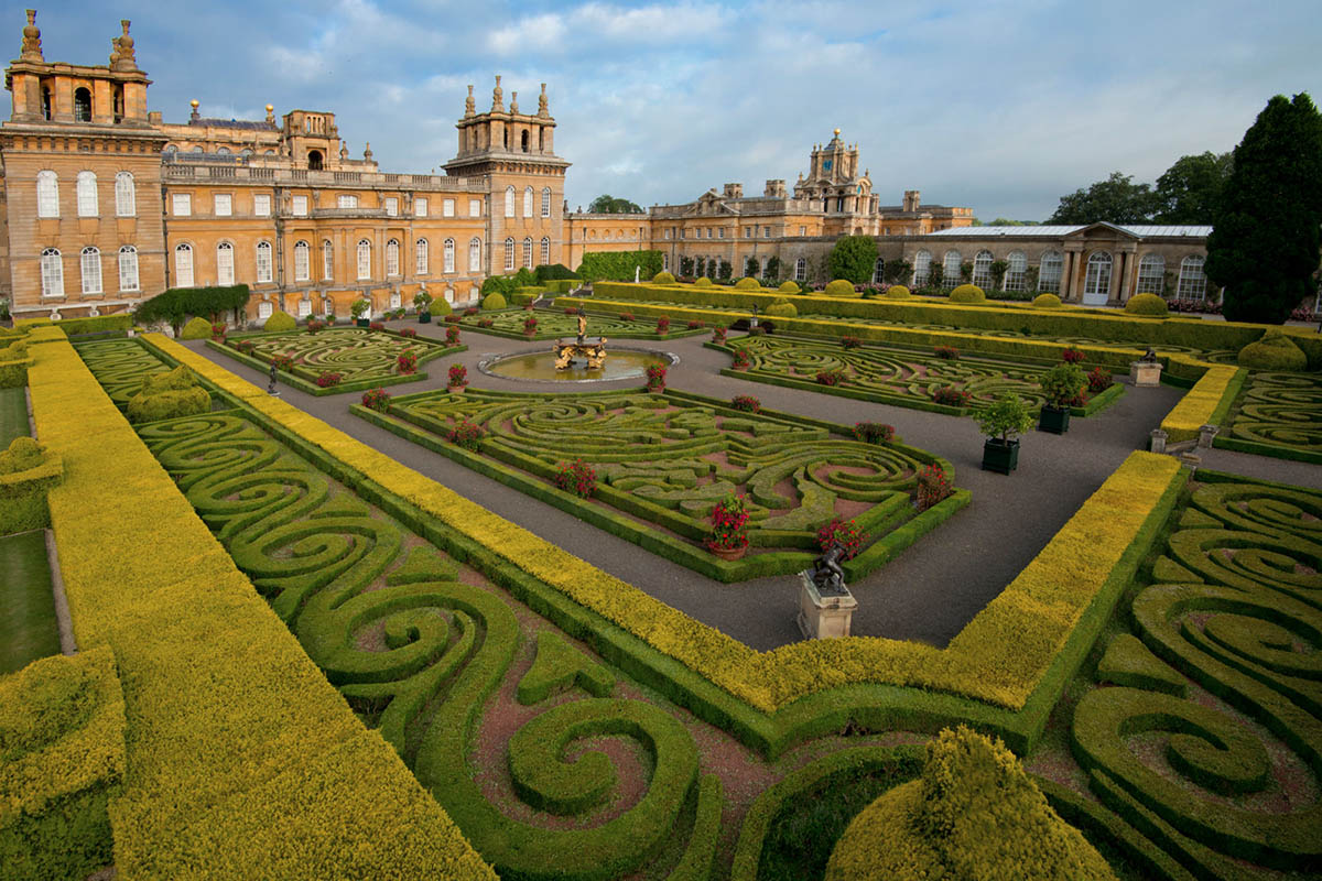 Discover London - Day Tours from London - Blenheim Palace Garden