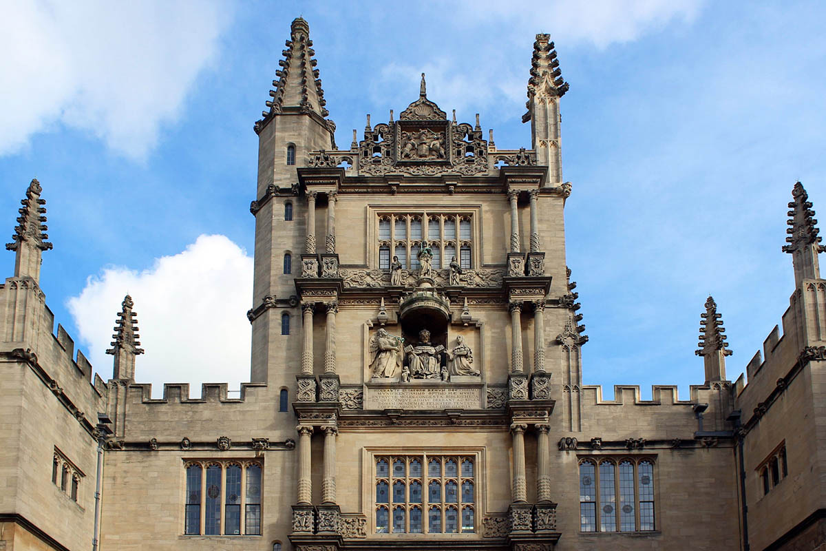 Discover London - Day Tours from London - Bodleian Library