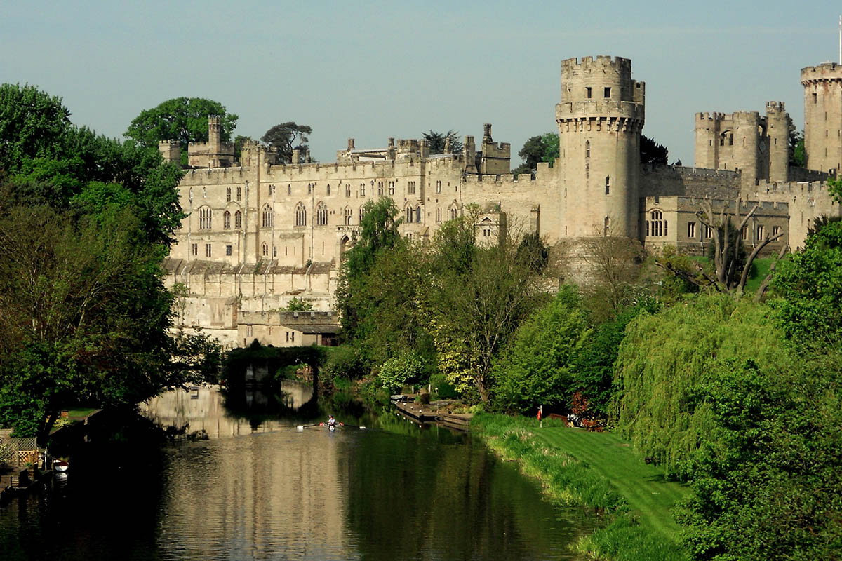 Discover London - Day Tours from London - Warwick Castle