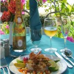 Open air seaside dining. Photographer: Courtesy the Seahorse Inn